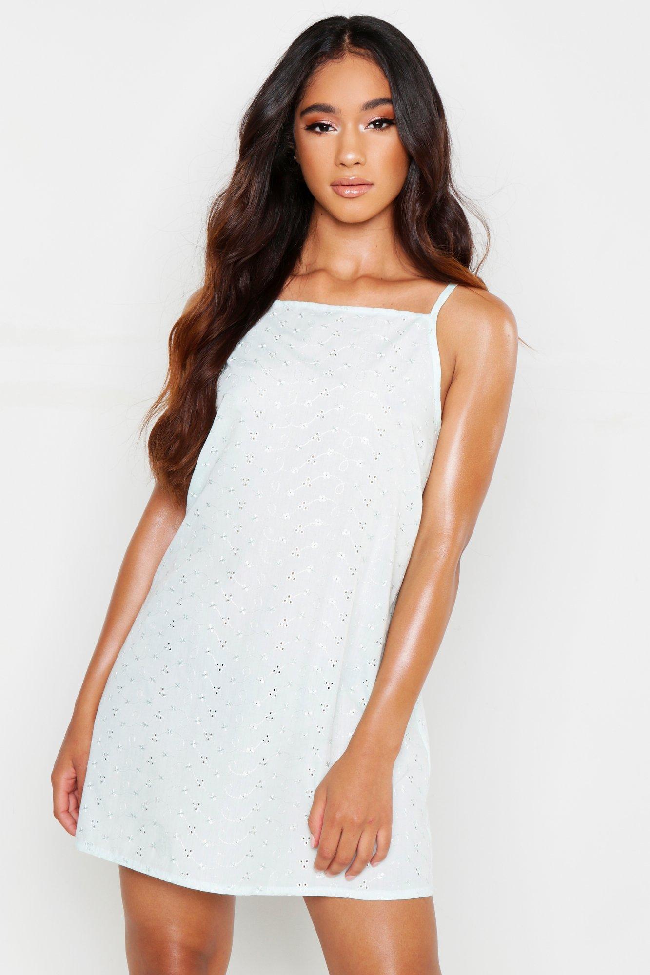 Womens Premium Nachthemd mit Lochstickerei - Minzgrün - 38, Minzgrün - Boohoo.com