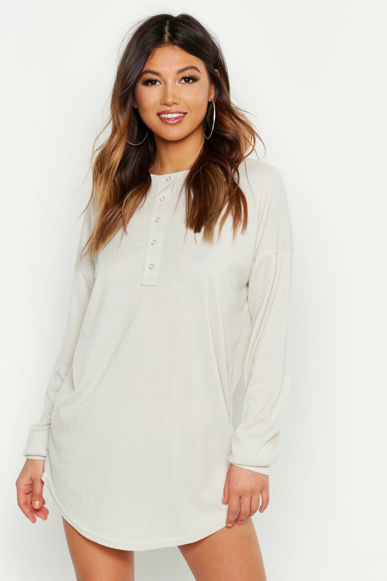 Womens Geripptes Nachthemd mit durchgehender Knopfleiste - Hellbeige - 36, Hellbeige - Boohoo.com