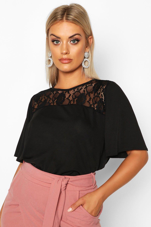 Womens Plus ausgestellte Bluse mit Spitzeneinsatz und überschnittenen Schultern - schwarz - 54, Schwarz - Boohoo.com