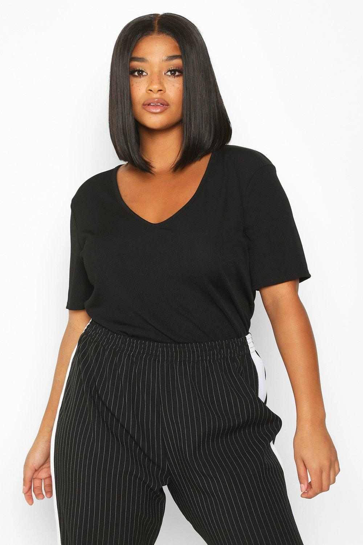 Womens Plus Kurzärmeliges geripptes T-Shirt mit V-Ausschnitt - schwarz - 52, Schwarz - Boohoo.com