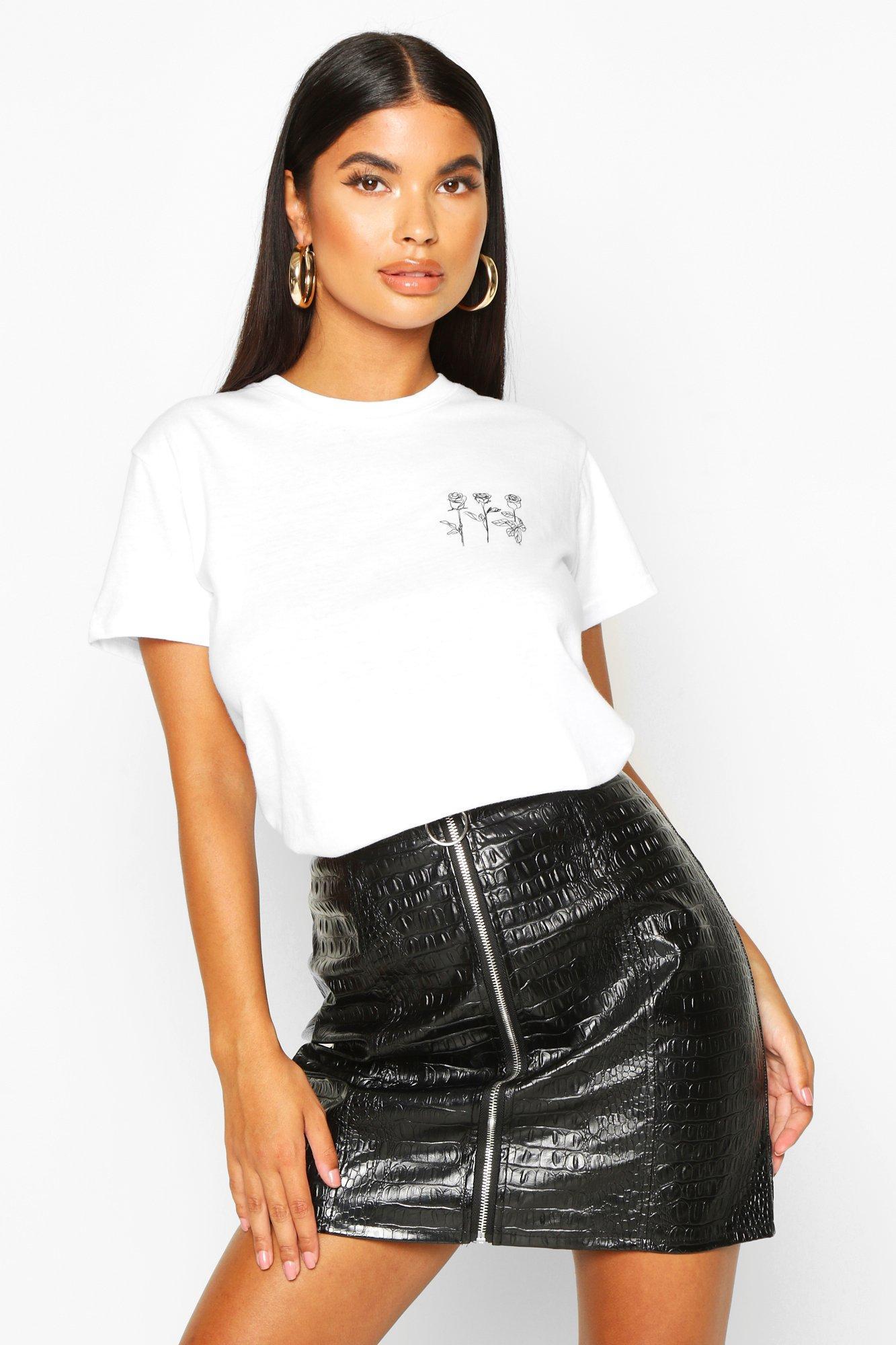 Womens Petite T-Shirt mit Triple Rose-Print und Tasche - Weiß - S, Weiß - Boohoo.com
