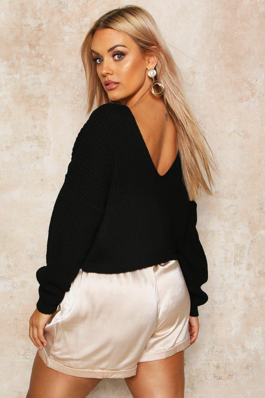 Womens Plus Kurzer Pullover mit V-Ausschnitt im Rücken - schwarz - 44-46, Schwarz - Boohoo.com