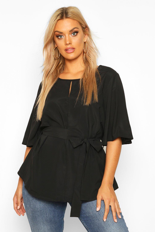 Womens Plus Bluse mit materialgleichem Gürtel und eingekerbtem Ausschnitt - schwarz - 42, Schwarz - Boohoo.com