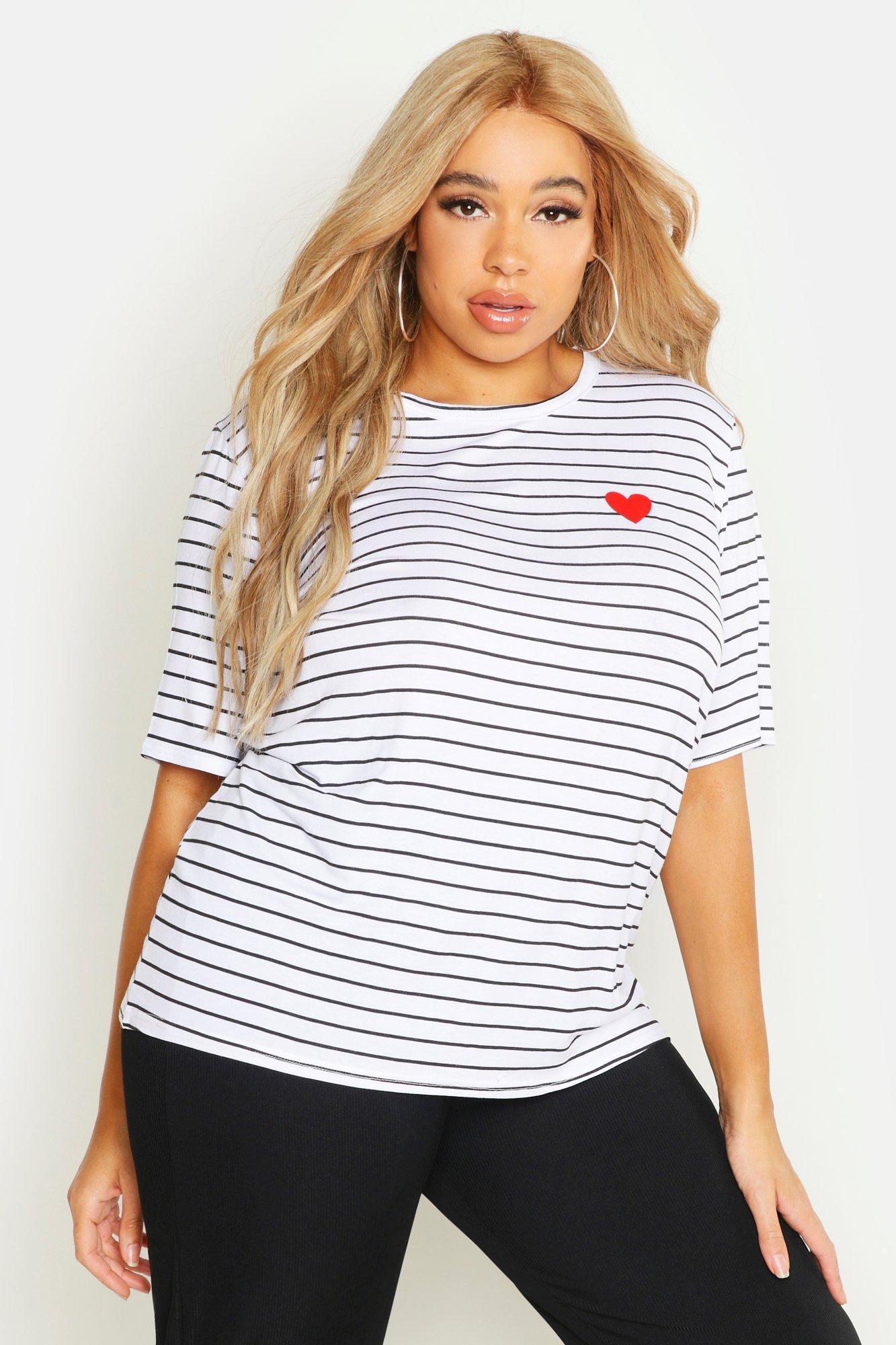 Womens Plus Gestreiftes T-Shirt mit Herzchen-Print auf der Tasche - Weiß - 42, Weiß - Boohoo.com