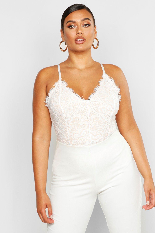 Womens Plus Premium Body mit Wimpernspitze - Weiß - 44, Weiß - Boohoo.com