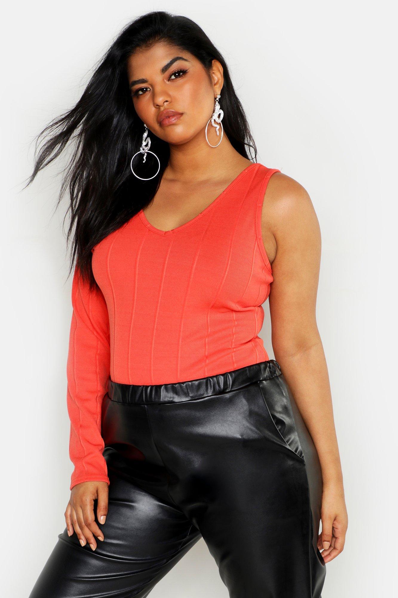 Womens Plus Geripptes Bandage-Oberteil mit einer freien Schulter und Cut-Out - Korallrot - 48, Korallrot - Boohoo.com