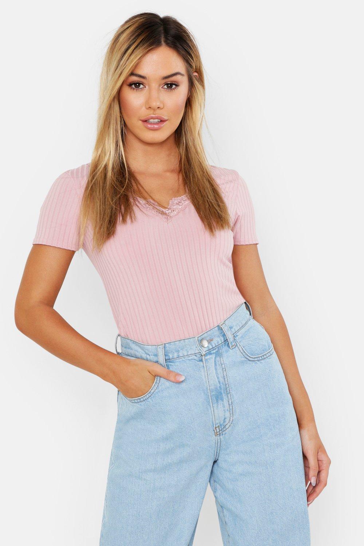 Womens Petite geripptes T-Shirt aus Spitze mit V-Ausschnitt - rosé - 30, Rosé - Boohoo.com
