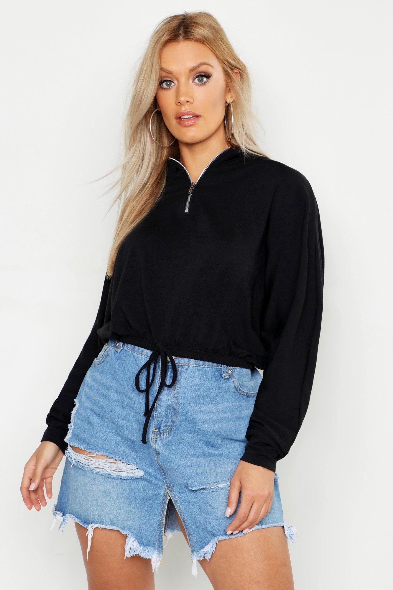 Womens Plus kurzes Sweatshirt mit Fledermausärmeln und Tunnelzug - schwarz - 44, Schwarz - Boohoo.com