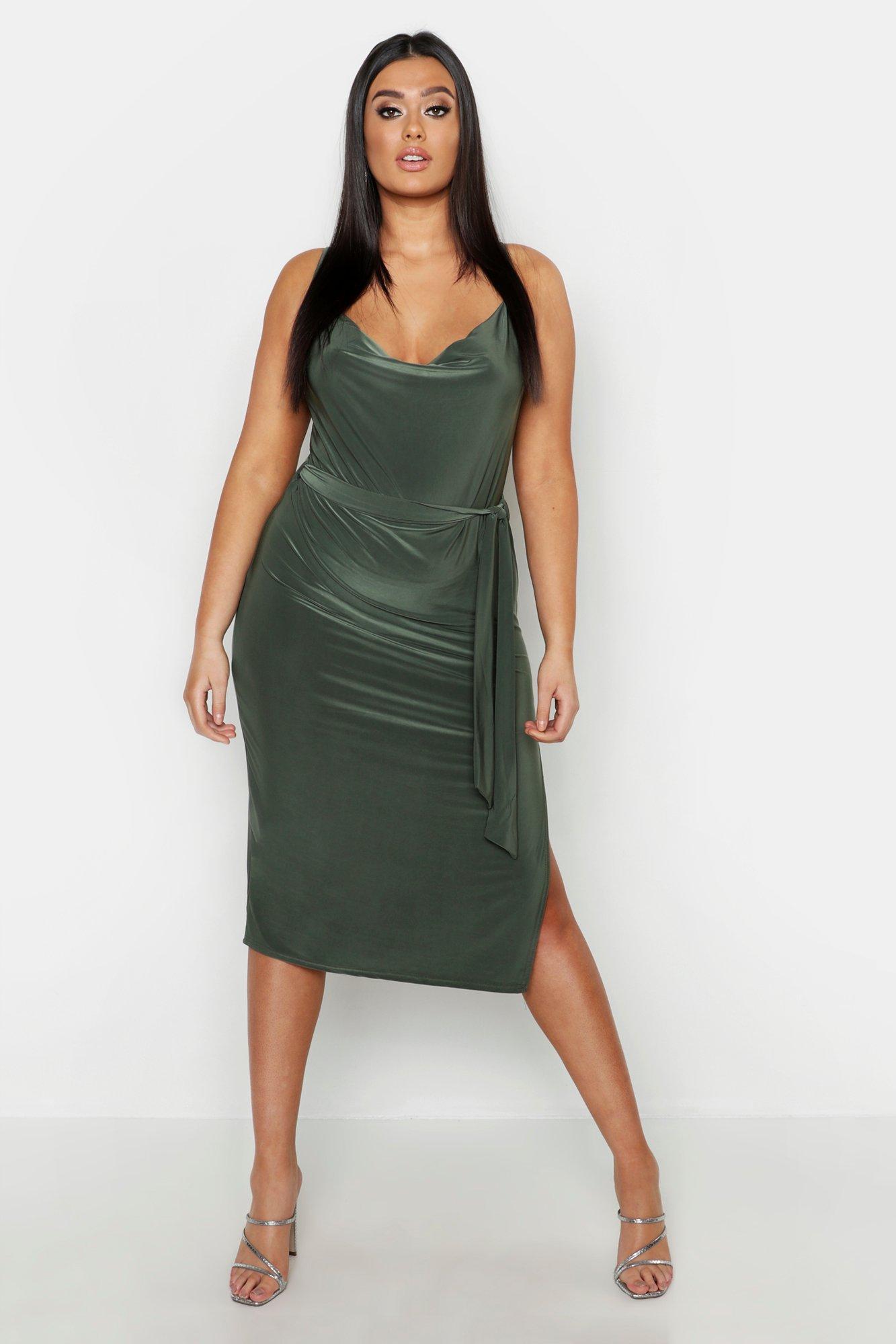 Купить К нам поступают платья, Плюс сайз - платье миди с воротником-хомутом с завязкой на талии, boohoo