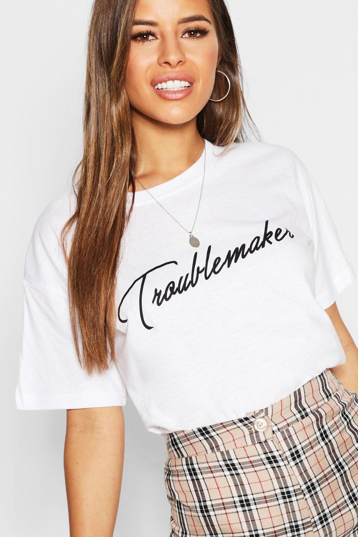 Womens Petite T-Shirt mit Troublemaker Slogan - Weiß - L, Weiß - Boohoo.com