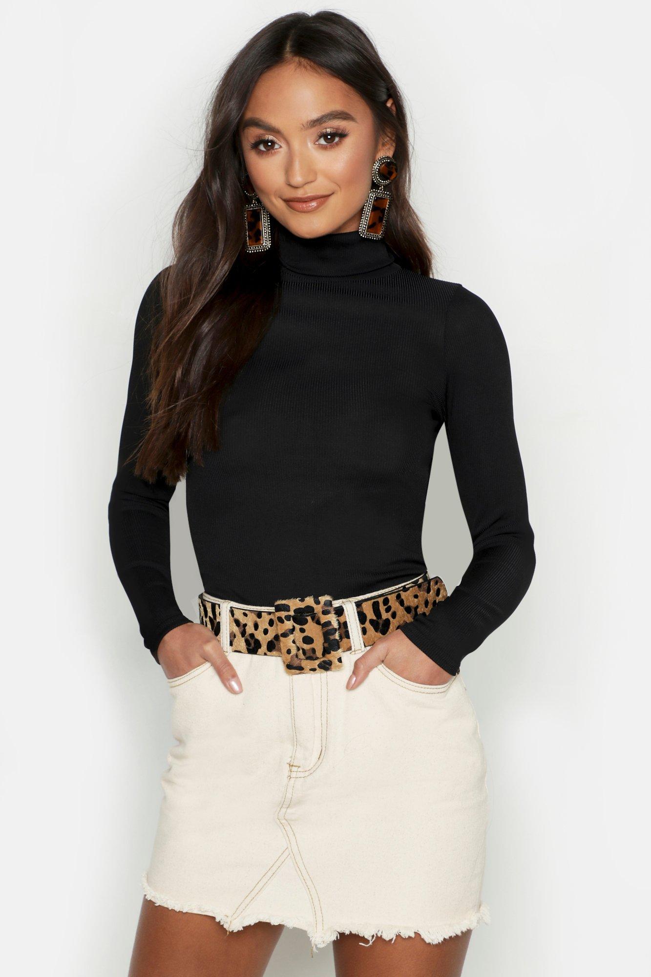 Womens Petite Geripptes Strick-Poloshirt aus glänzendem Jersey - schwarz - 38, Schwarz - Boohoo.com