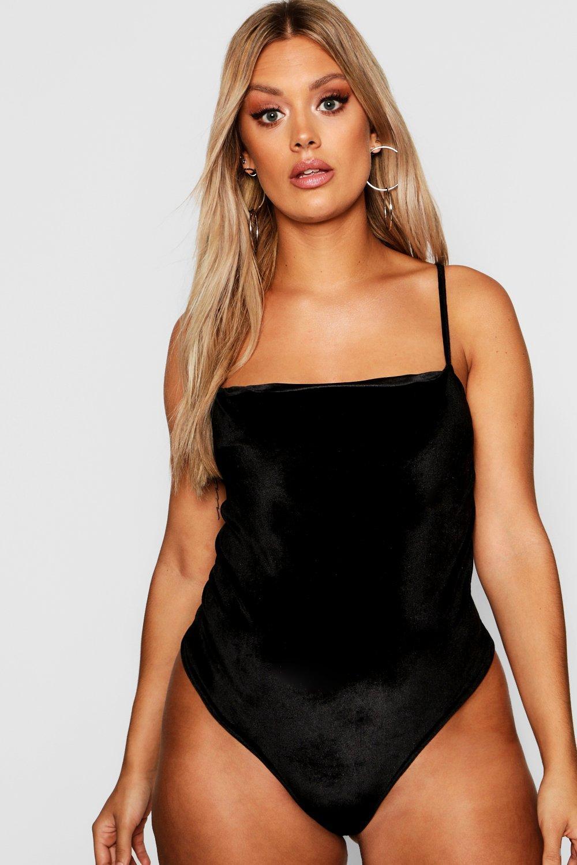 Womens Plus Body aus Samt mit viereckigem Halsausschnitt - schwarz - 48, Schwarz - Boohoo.com