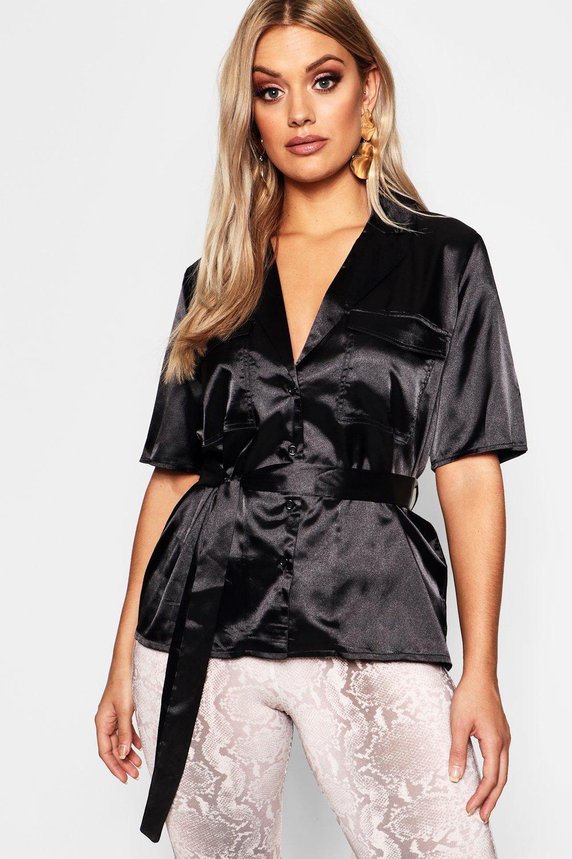 Womens Plus Satin Hemd mit vorderseitiger Tasche und Gürtel - schwarz - 44, Schwarz - Boohoo.com