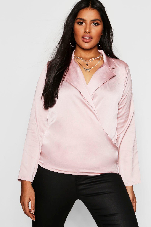 Womens Plus Bluse aus Satin mit Wickeldesign vorne - hautfarben - 44, Hautfarben - Boohoo.com