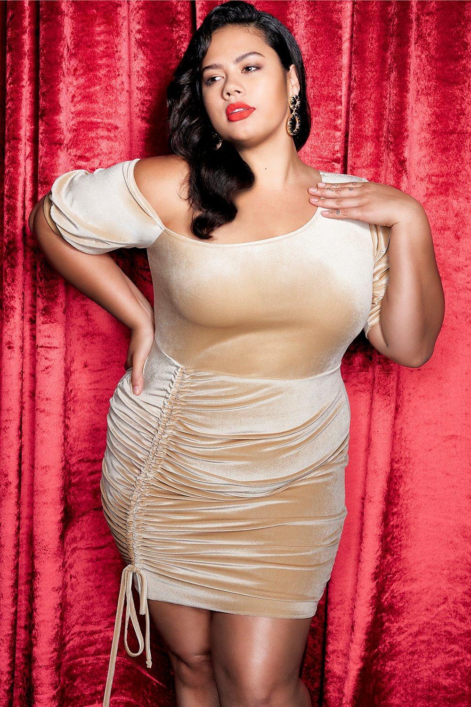 Купить Вельветовое облегающее платье с косым вырезом с рюшами большого размера, boohoo