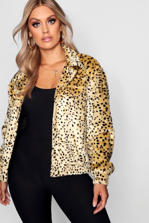Купить Coats & Jackets, Жакет-тракер из искусственного меха с леопардовым принтом из коллекции <Плюс сайз>, boohoo