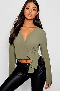 Petite Penny Bluse mit Wickelfront - Boohoo.com