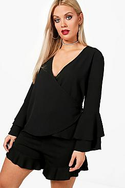 Plus Abigail Bluse aus Webmaterial mit Frontwickelung - Boohoo.com