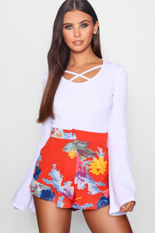 Купить Shorts, Миниатюрные Шорты из ткани с подолом с оборками и цветочным принтом, boohoo