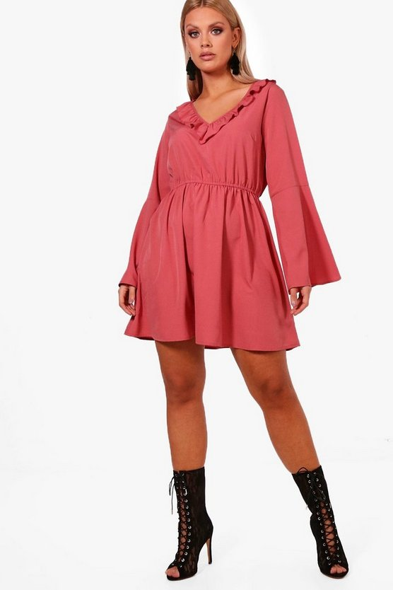 Plus Lissie Ruffle Front Flare Sleeve Skater Dress