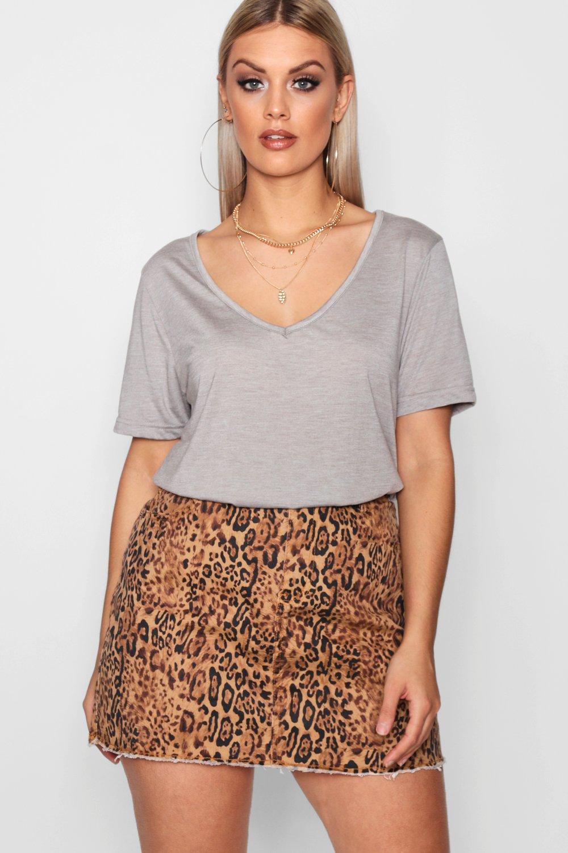 Womens Plus Supersoft V Neck T-Shirt - grey - 42, Grey - Boohoo.com