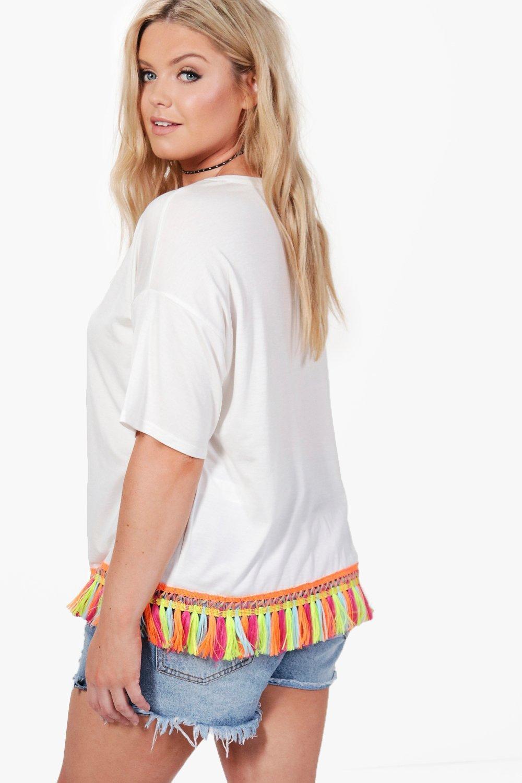 Boohoo-Plus-Tia-T-shirt-Con-Frange-Al-Bordo-per-Donna