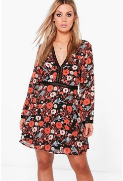 Plus Claudia Floral Plunge Shift Dress