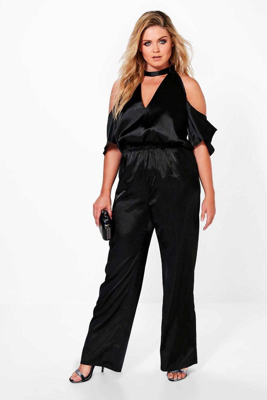 boohoo damen plus charlotte jumpsuit in satin optik mit kropfband in schwarz ebay. Black Bedroom Furniture Sets. Home Design Ideas