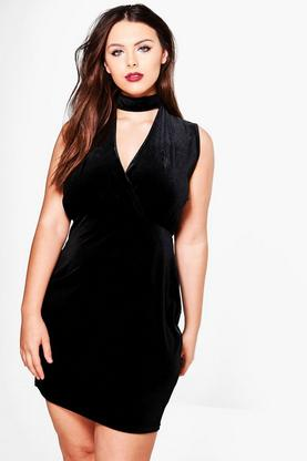 Plus Saskia Choker Detail Velvet Wrap Dress