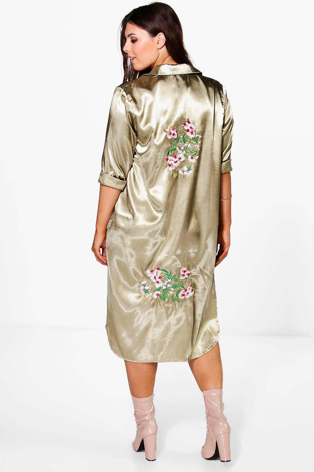 Plus Camy Embroidered Satin Longline Shirt