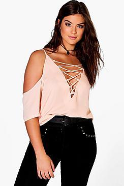 Plus Bluse mit Schnürung und ausgeschnittenen Schultern - Boohoo.com