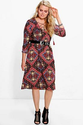 Plus Eva Mixed Paisley Lace Neck Midi Dress