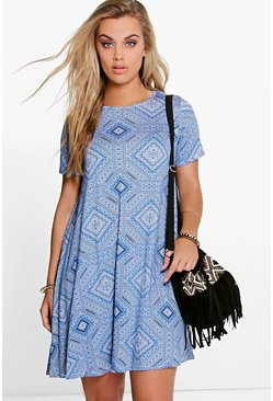 Plus Lisa Short Sleeve Swing Dress