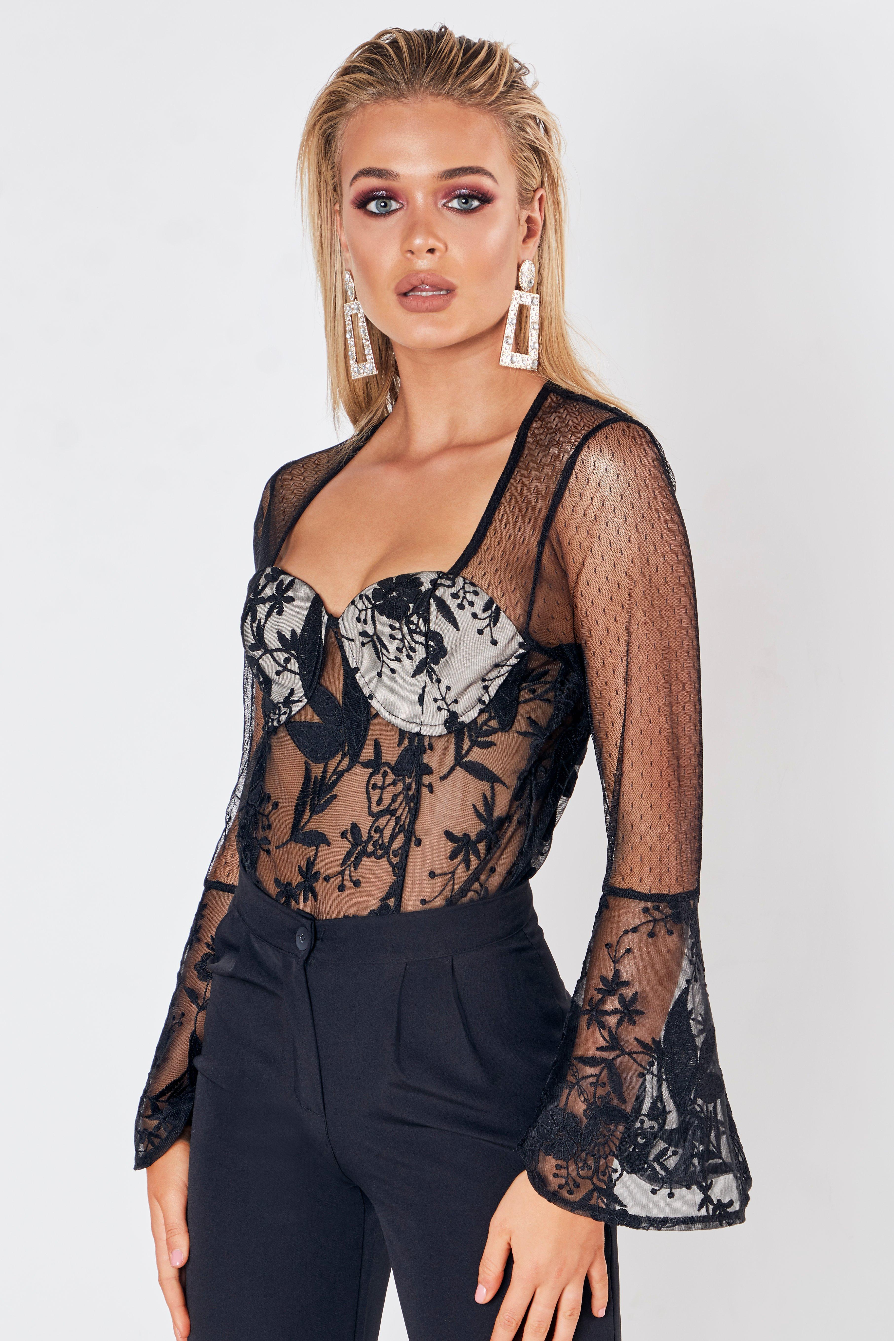 Womens Premium Body im Wickeldesign aus Spitze mit Trompetenärmeln - schwarz - 32, Schwarz - Boohoo.com