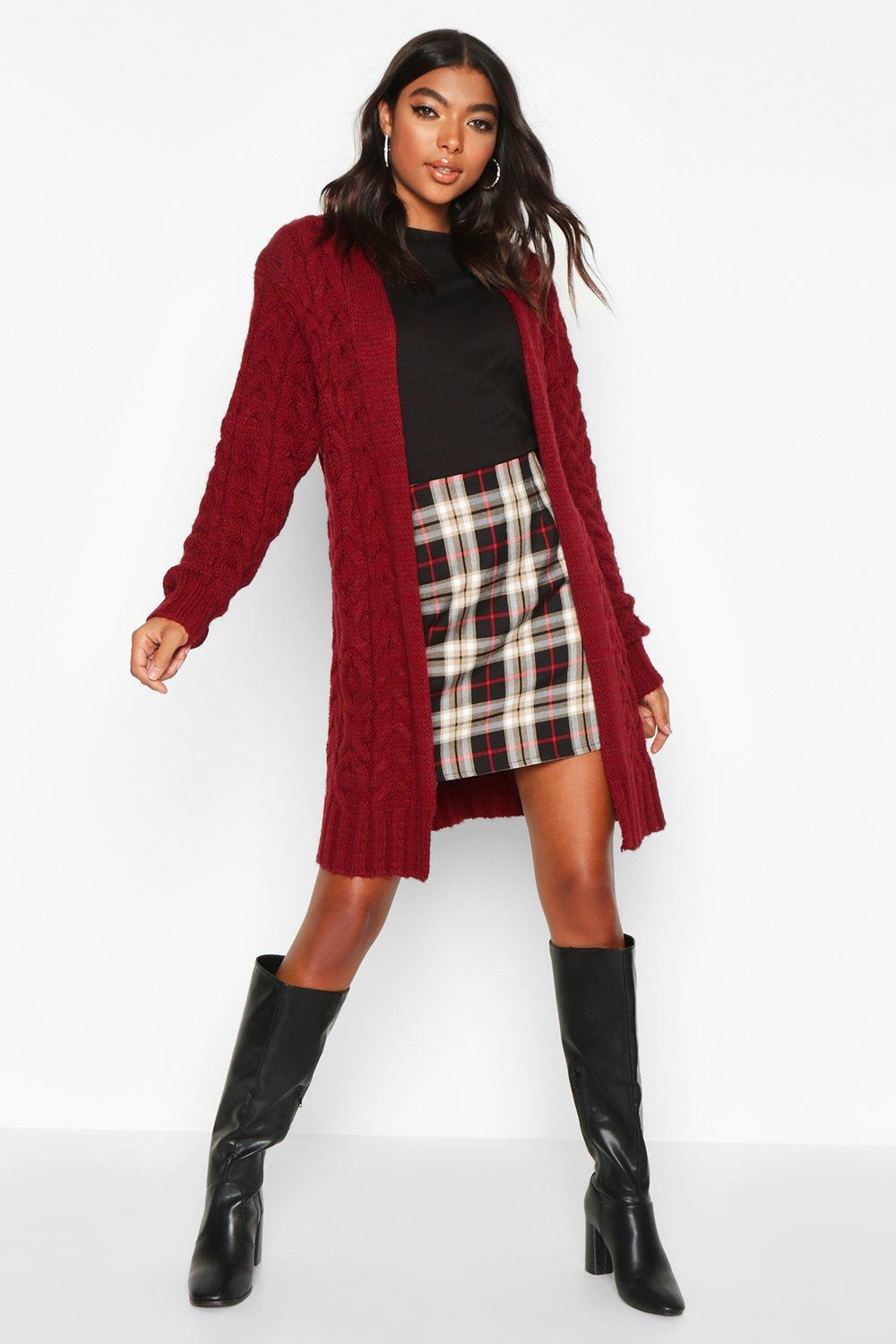 Womens Tall Weicher Strick-Cardigan mit Zopfmuster - beerenrot - S/M, Beerenrot - Boohoo.com