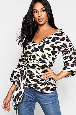Tall Bluse mit gerüschten Ärmeln und Animal-Print - Boohoo.com
