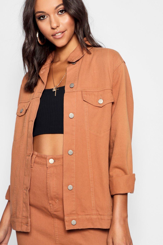 Купить Coats & Jackets, Бежевая джинсовая куртка в мужском стиле из коллекции <Tall>, boohoo