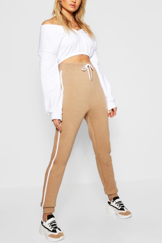 Купить Trousers, Спортивные брюки для бега с контрастной боковой вставкой из коллекции <Tall>, boohoo