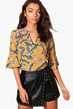 Tall Bluse aus Webmaterial mit Volant - Boohoo.com
