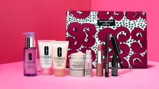 CLINIQUE GIFTING