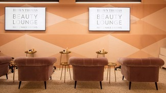 IN THE BEAUTY LOUNGE