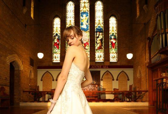 Bride portrait indoor wedding