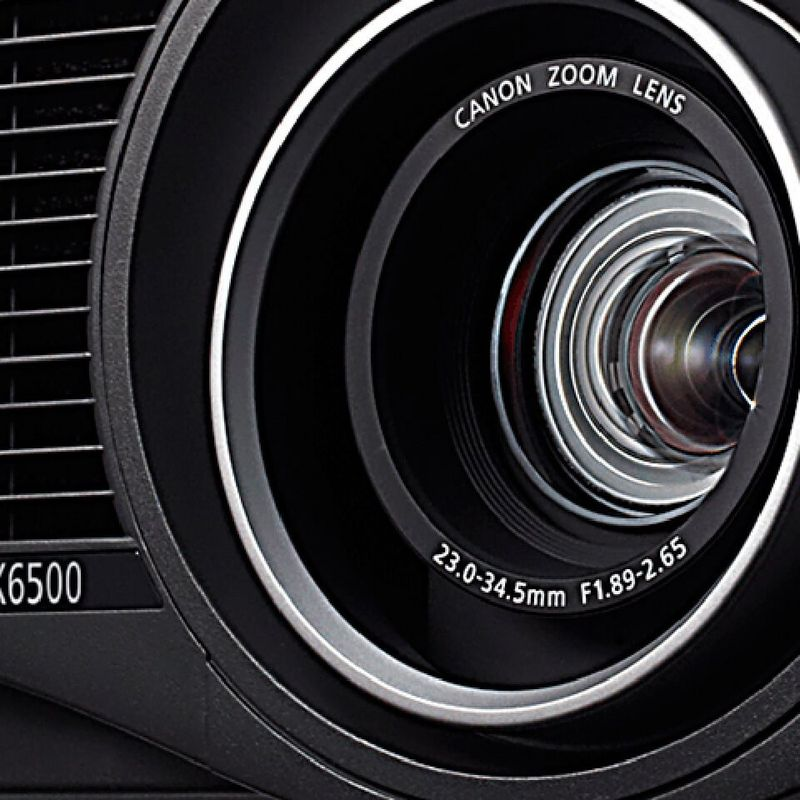 XEED-WUX6500 close up lens angle beauty shot