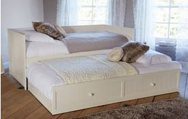 Amie Day Bed With Trundle Amie