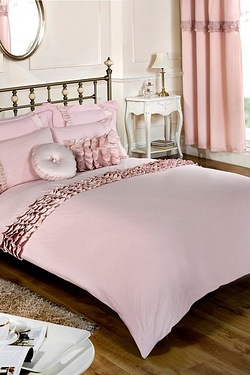 Cascade Pair of Quilted Pillowshams