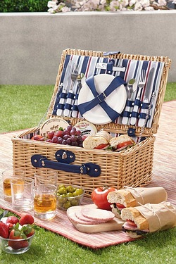 Yellowstone Wicker Picnic Basket