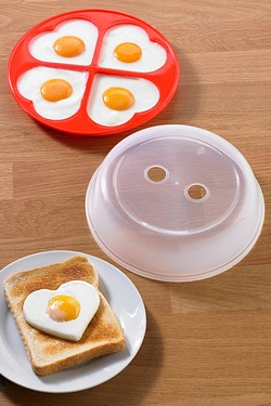 Microwave 4 Heart Shaped Egg Poacher