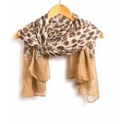 Brown Print Scarf And Heart Clip Set