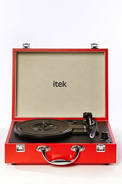 Itek Suitcase Style Record Player T...