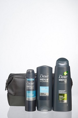 Dove Men+ Care Ultimate Wash Bag Gi...